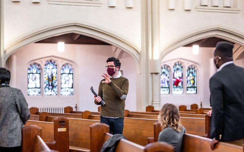 Rob Kempson directing. Photo by Dahlia Katz.