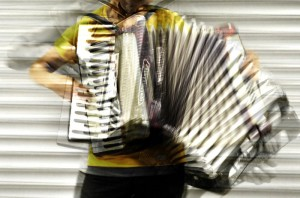 accordion_by_utopyam-d59tvlk